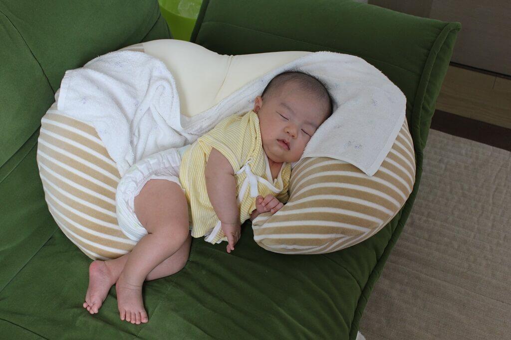 授乳 クッション おすすめ 授乳クッションのおすすめ人気ランキング15選【抱き枕になるタイプも...